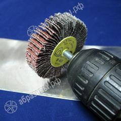 абразивная лепестковая головка со штифтом