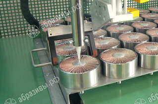 Машина для производства лепестковых головок
